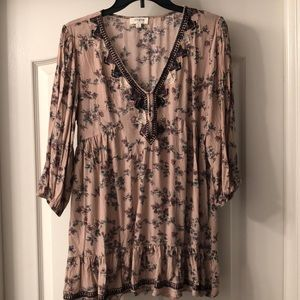 Umgee blush pink floral 3/4 length sleeve top!